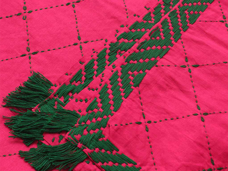 Medium Size Nakshi Khatha-Green & Magenta