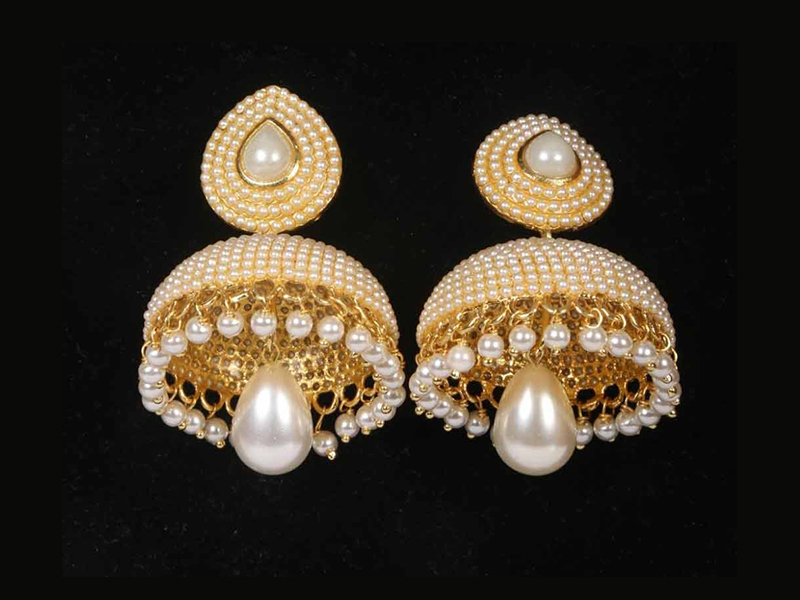 Pearl Decorated Imitation Earring