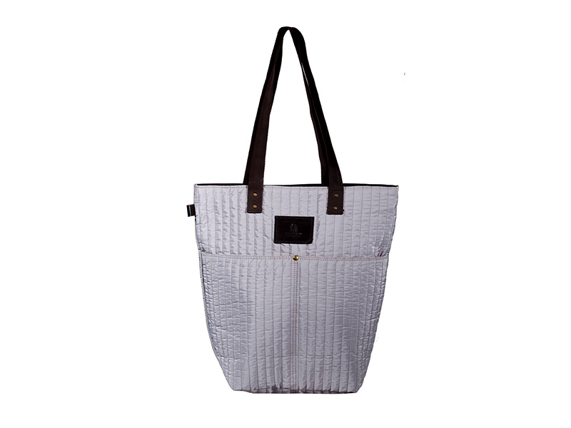 AME- White Tote With Pocket